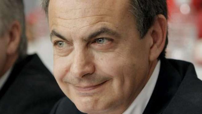 Zapatero y el ministro de Fomento, José Blanco.