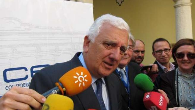 El presidente de la CEA, Santiago Herrero, en una imagen de archivo