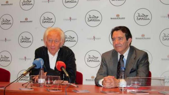 Albert Boadella y Enrique Cornejo durante la presentación de '2036 OMENA-G'