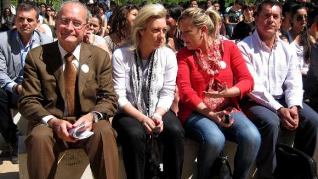 El Alcalde De Málaga, Francisco De La Torre, Junto Con España Y Romero
