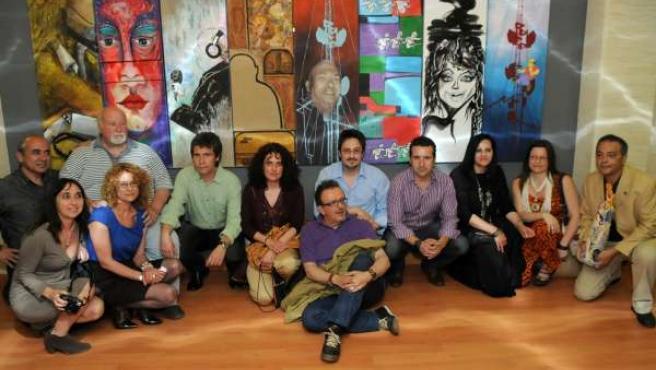 Los Pintores, Con El Mural