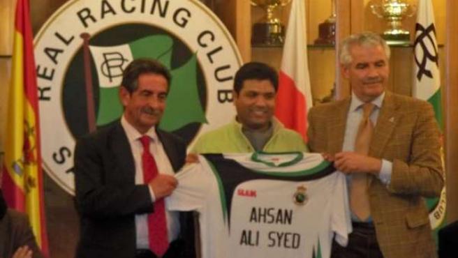 Alí Syed con Revilla y Pernía.