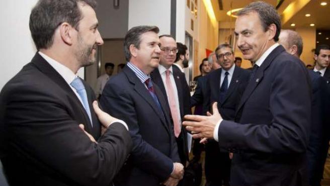 El Consejero Vasco De Industria, Bernabé Unda, Con Jose Luis Rodríguez Zapatero