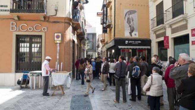 Turistas pasean por Málaga