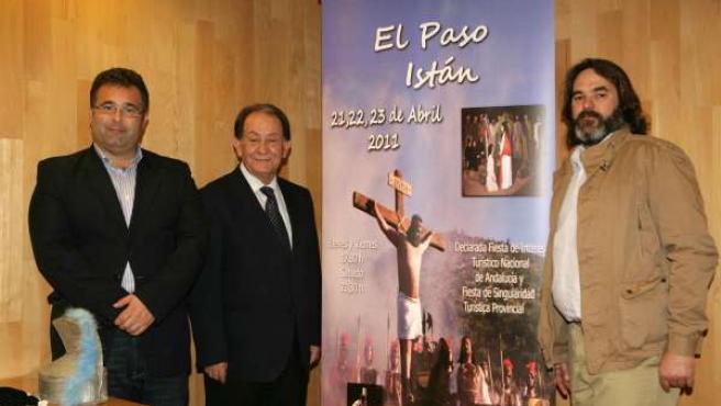 El Vicepresidente De La Diputación, Junto Al Alcalde De Instán