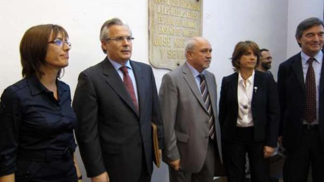 El Juez Baltasar Garzón Antes De Una Conferencia En Málaga