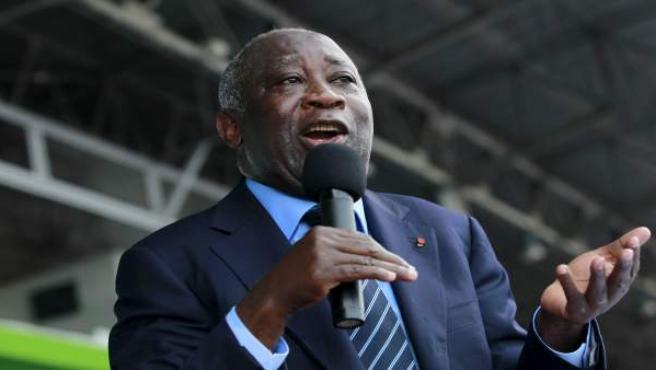 El presidente electo marfileño, Alassane Ouattara, en un mitin en octubre.