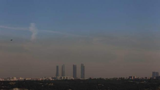 La contaminación cubre el cielo de la capital.
