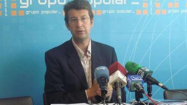 El portavoz del Grupo Parlamentario Popular, Juan Carlos Ruiz