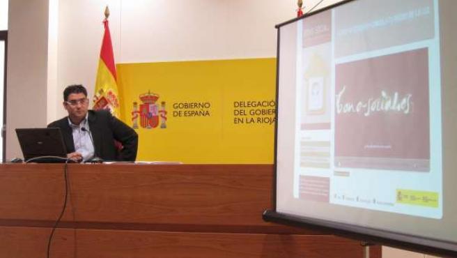 Gustavo Gauthier Durante La Rueda De Prensa