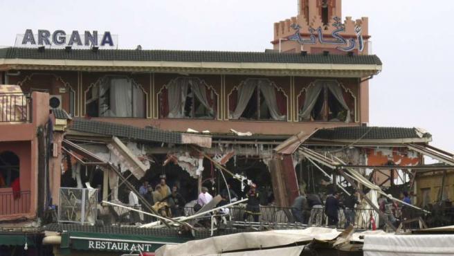 Estado en que quedó la cafetería Argana de la plaza de Yemá al Fna tras la explosión.