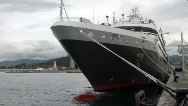 El Buque Crucero 'L'austral' En Su Primera Visita Al Puerto De Málaga