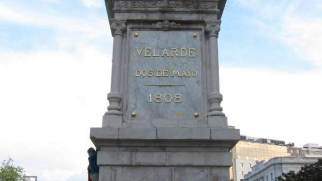 Estatua de Velarde, en Santander