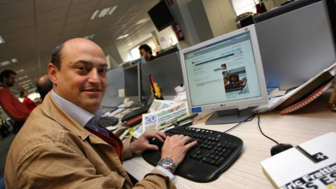 El periodista y ensayista Eric Frattini en la redacción de 20minutos.es.