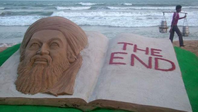 Escultura en arena del rostro de Osama Bin Laden en India.