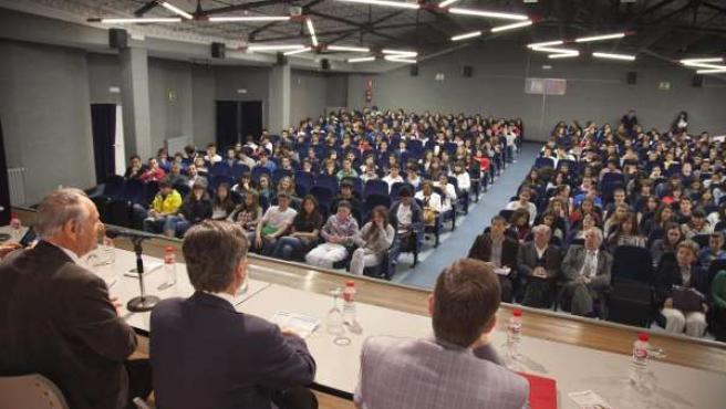 Más De Medio Millar De Alumnos Participan En La Vidriera En La XX Jornada De Ori