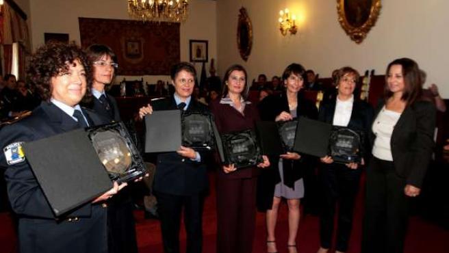 Rectificación Notas 30º Aniversario Mujeres Policía Local, Arreglo Campo Fútbol