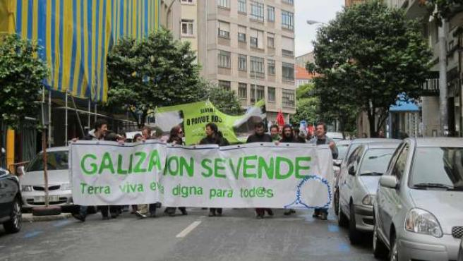 """'Galiza Non Se Vende' Rechaza En Santiago El """"Saqueo"""" Socieambiental De Galicia"""