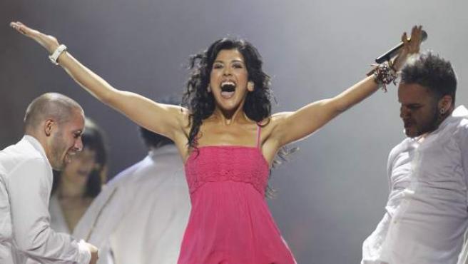 La representante española en Eurovisión, Lucía Pérez, durante su primer ensayo en Düsseldorf.