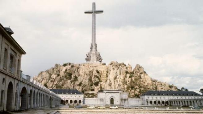 El Valle de los Caídos, en el interior de cuya basílica descasan los restos de más de 33.400 víctimas de la Guerra Civil.