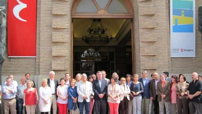 Concentración En El Ayuntamiento De Zaragoza Por Terremoto De Lorca