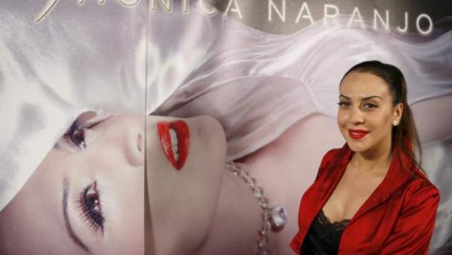 La cantante Mónica Naranjo, presentando su nuevo espectáculo 'Madame Noir'.