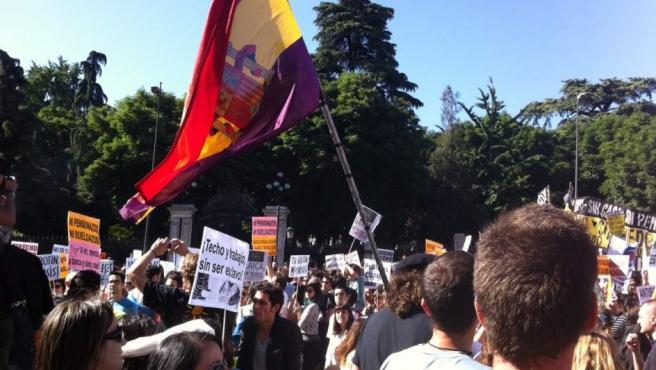 Imagen del comienzo de la manifestación de este domingo 15 de mayo en Madrid, organizada por la plataforma 'Democracia Real Ya'.