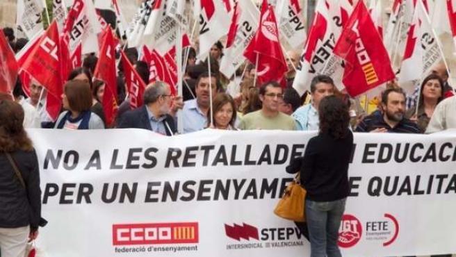 Durante La Concentración Para Protestar Por Los Recortes En Educación