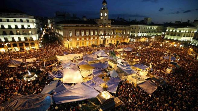 Miles y miles de personas hicieron un 'grito mudo' en la Puerta del Sol.