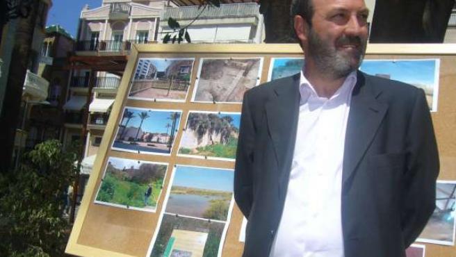 El Candidato De IULV-CA, Pedro Jiménez, Ante Los Medios.
