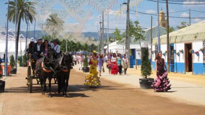 Paseo De Caballos En La Feria De Córdoba