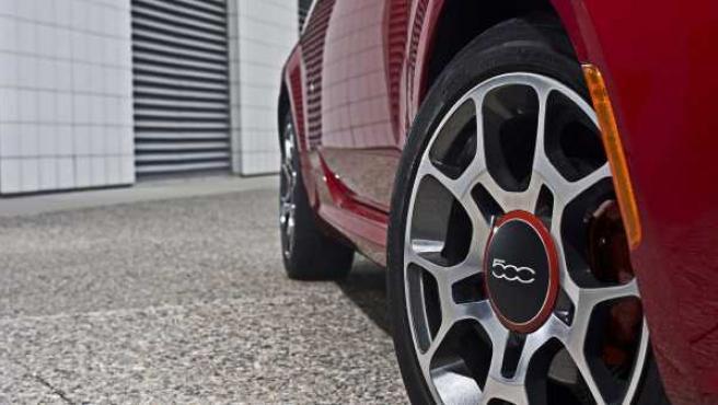 La industria del automóvil agudiza el ingenio. En la imagen, el Fiat 500.