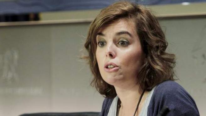 La portavoz del PP en el Congreso de los Diputados, Soraya Sáenz de Santamaría, durante la rueda de prensa que ofreció al término de la reunión de la Junta de Portavoces de la Cámara.
