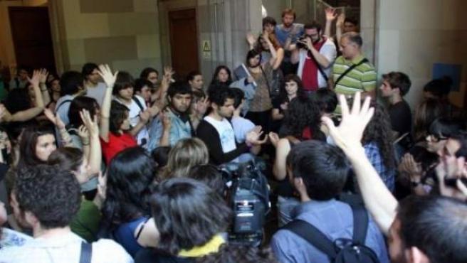 Concentración de estudiantes de la UB.
