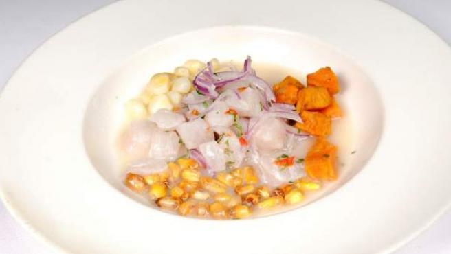 Un plato de cebiche preparado en el restaurante Astrid&Gastón.