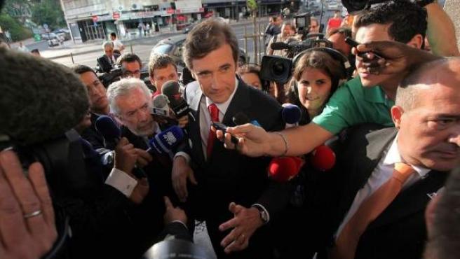 Pedro Passos Coelho, el candidato conservador vencedor de las elecciones en Portugal, a su llegada al hotel donde esperó los resultados de los comicios.