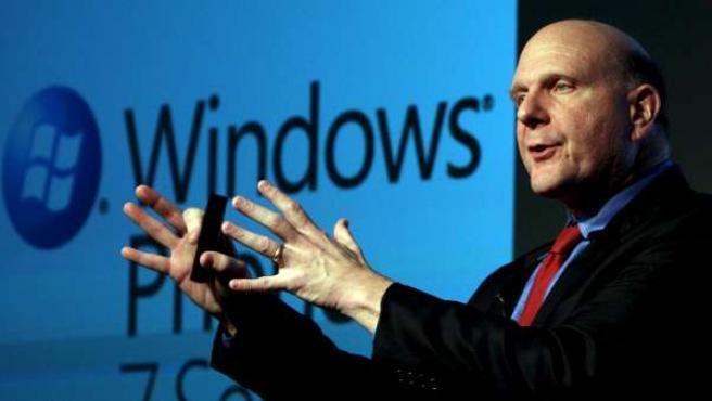 Steve Ballmer, durante la presentación de Windows Phone 7 Series.