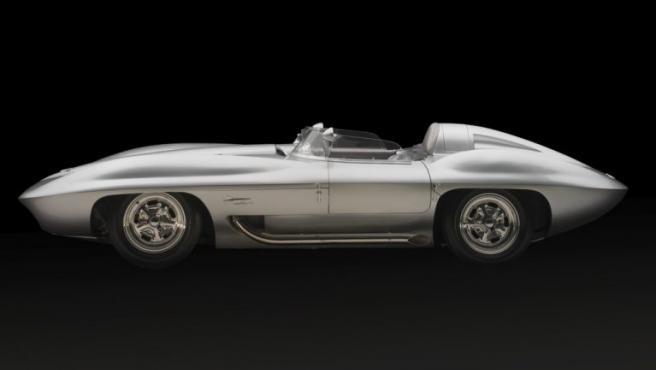 Uno de los coches más bonitos de todos los tiempos, según el Museo de Portland, un Chevrolet Corvette Sting Ray, diseñado como 'coche concepto' para ser probado en carreras