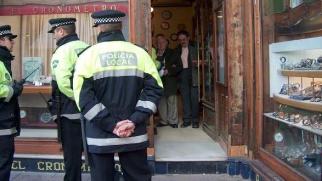Imagen de varios agentes de Policía.