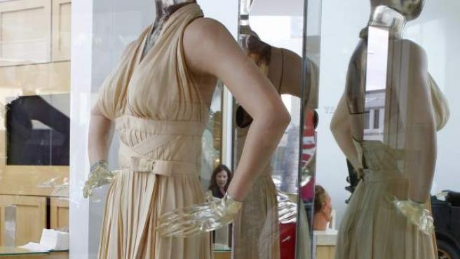 El vestido blanco que lució Marilyn Monroe en 'La tentación vive arriba'. El modelo ha sido subastado por 4,6 millones de dólares.