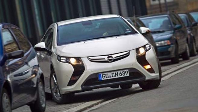 Opel Ampera.