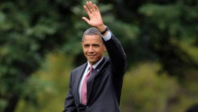 El presidente de los EE UU, Barack Obama, antes de partir este jueves hacia la base militar de Fort Drum, en Nueva York, para mantener un encuentro con soldados que han regresado de Afganistán.