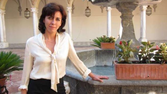 María Luisa Ceballos En El Patio Barroco Del Palacio De La Merced