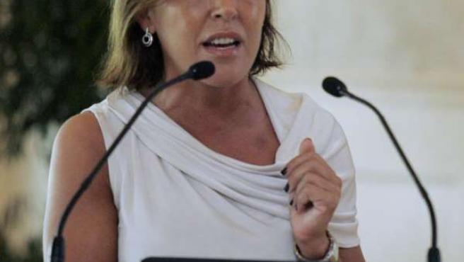 A conselleira de Traballo e Benestar, Beatriz Mato, inaugura o congreso constit