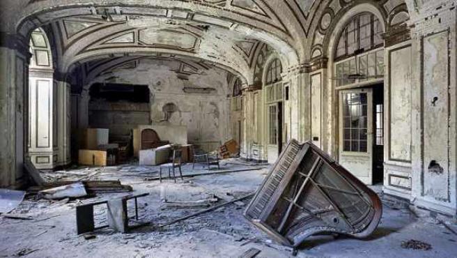 Salón de baile de un hotel del centro de Detroit