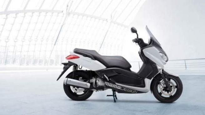 Yamaha X-Max Momodesign.
