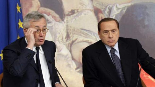El primer ministro italiano, Silvio Berlusconi, y el ministro de Economía, Giulio Tremonti.