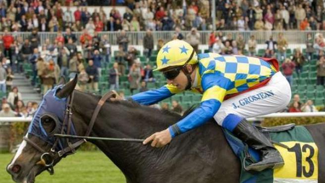 Carreras de potrancas o caballos en el Hipódromo de la Zarzuela