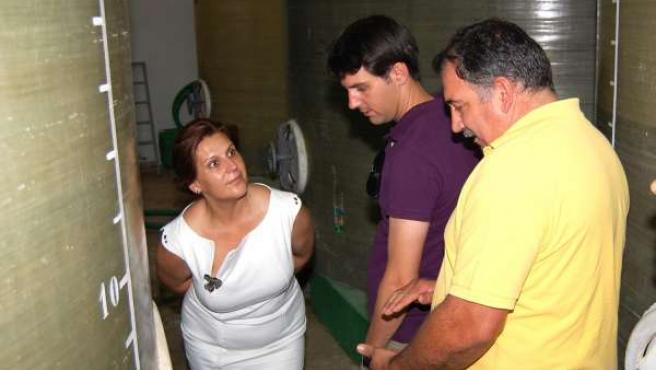 Rosa Torres, En Su Visita A La Cooperativa