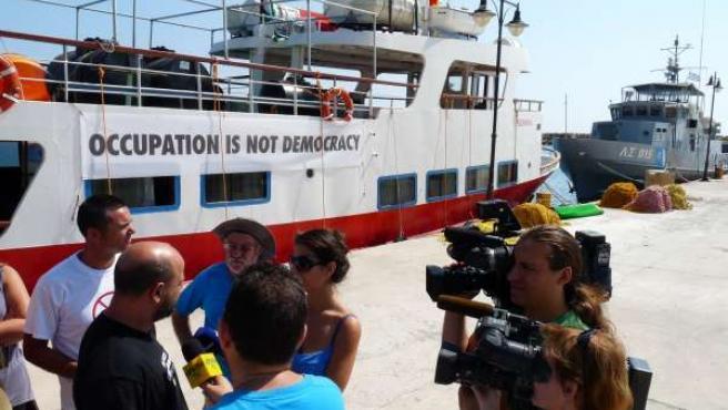 Rumbo A Gaza | NP Y Foto: 24 Españoles Permanecen Rodeados Por Patrulleras Grieg